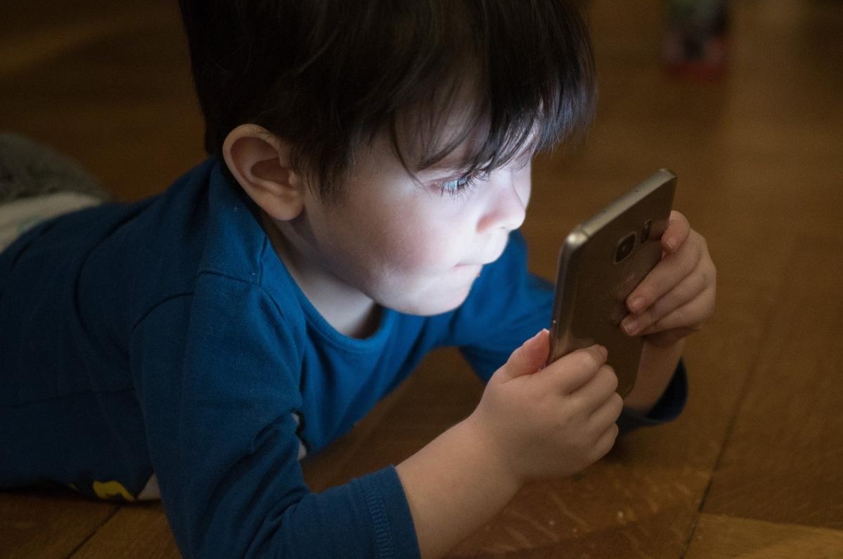 app control movil niños